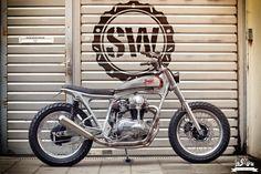 Kawasaki W650 Dirt Racer by Jürgen Brand & Schlachtwerk