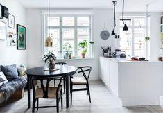 Hippie Home Decor Dining Room Design, Dining Area, Kitchen Interior, New Kitchen, Family Kitchen, White Floorboards, Interior Styling, Interior Design, Interior Paint