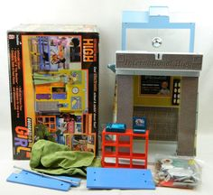 Complete Barbie Doll Play Set International High School Generation Girl In Box #Mattel #HousesFurniture