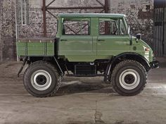 For Sale: This Awesome Mercedes-Benz Unimog Doppelkabine