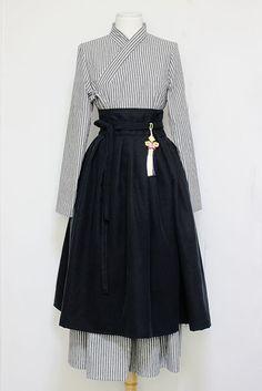줄무늬그레이 철릭원피스와 겨울블랙 허리치마 세트상품입니다