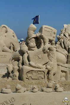 Dr. Seuss characters sand sculpture
