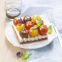 Meringue, Tarte Fine, Pizza Cake, Mini Tart, Good Food, Yummy Food, Cupcakes, Vegetable Salad, Food Presentation