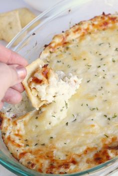 A cheesy blend of Parmesan, Mozzarella, cream cheese and crab.