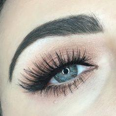 ig: @rebekah_ellie Eye makeup Too Faced Peach Palette eye look. Ardell lashes 207. Soft glam