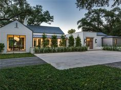 View 28 photos of this 5 bed, 6.5 bath, 9098 sqft single family home located at 5011 Shadywood Ln, Dallas, TX 75209