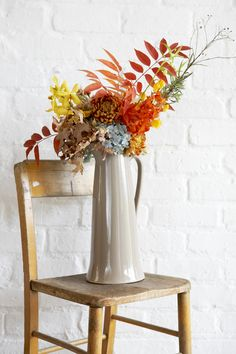Elle Decoration South Africa is a home magazine with articles from home decoration to design and architecture - Visit Us! Air B And B, Farms Living, Amazing Spaces, House And Home Magazine, Cool Rooms, Elle Decor, Fresh Flowers, Decoration, Color Inspiration