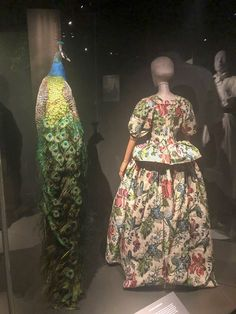Nature influences fashion in such beautiful ways 🌸 #FashionedFromNature #StatensNaturHistoriskeMuseum #NaturalHistoryDK #FashionExhibition #FashionExhibit #FashionHistory #DressHistory #BuyLess #AppreciateMore Textile Industry, Copenhagen Style, Business Events, Victoria And Albert Museum, Consumerism, Fast Fashion, Ethical Fashion, Natural History