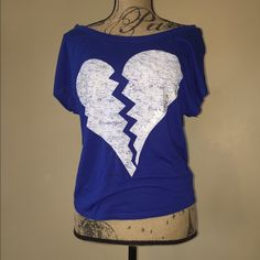 Express off shoulder top. Size xs, great condition. Super comfy and dressy casual. Express Tops Tees - Short Sleeve