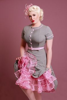 Retro pink and grey dress. #pink #grey #dresses #50s #retro