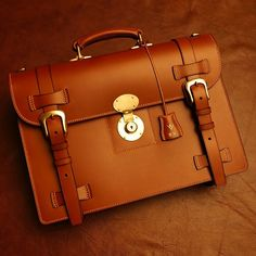 English Briefcase #classic #briefcase #serviette #satchel #bridle #leathercraft #leatherwork #vero