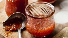 Pro milovníky rebarbory není nic jednoduššího, než se na doma zásobit džemem. A ten doma vyrobený je prostě nejlepší.