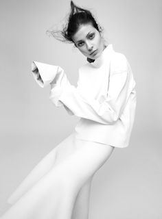 White Simplicity - understated style; minimal fashion photography // Sleek Magazine editorial