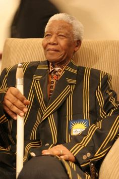 Nelson Mandela.  Dignified. First Black President, Former President, Us History, African History, Nelson Mandela Pictures, African National Congress, Democratic Election, Human Rights Activists, African American Culture