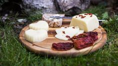 5 surovin stačí! Takhle si doma vyrobíte poctivý sýr typu eidam