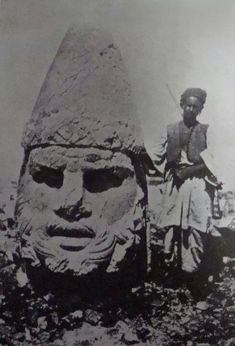 Archaeological Excavation of Mount Nemrut - Adıyaman City. Photo c. Armenian History, Ancient History, Art Bizarre, Ancient Artefacts, Before The Flood, Classical Antiquity, Adam And Eve, Prehistory, Ancient Architecture