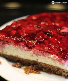 Himbeer Schoko Torte - Schokoladennussboden mit reichlich Eiern ohne Mehl, Mascarpone-Sahne-Creme und Himbeerschicht mit Guss ... Einfach und schnell gemacht! - http://kreativfieber.de/himbeer-schoko-torte/