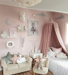 How stunning is this bedroom, what a magical little space @mamma_malla We are down to our very last Miss Astrid by the stunning Mrs Mighetto . As they are limited edition prints, once they are sold out, they are sold out forever. Pick the last one up while you can ☄ https://www.nouvellebaba.com/collections/mrs-mighetto