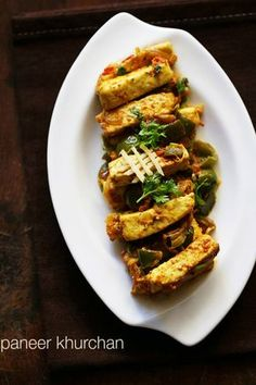 paneer khurchan recipe with step by step photos – easy, quick and delicious north indian semi dry curry made with paneer in a onion-tomato-capsicum base. Veg Recipes, Curry Recipes, Vegetarian Recipes, Cooking Recipes, Vegetarian Cooking, Cooking Tips, Chicken Recipes, Indian Paneer Recipes, Indian Food Recipes