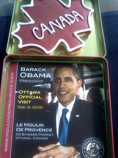 CANADA DAY MAPLE LEAF COOKIE IN BARACK OBAMA PRESIDENT OTTAWA OFFICIAL VISIT FEB. 19 , 2009 COMMEMORATIVE TIN
