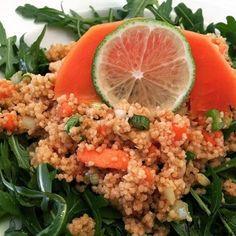 zumKochen: Couscous-Salat mit Papaya Bbq, Couscous Salat, Curry, Fried Rice, Chili, Fries, Ethnic Recipes, Food, Graz