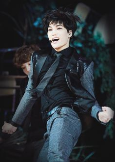 xiumania:    Let out the JongButt