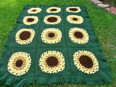 Ravelry: Project Gallery for SunFlower Too pattern by Julie Yeager