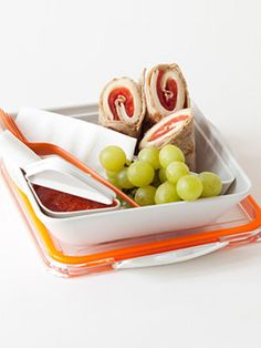 2. Pizza Rollups - Your kids will love these:  Make a perennial kid favorite portable by layering mozzarella and tomato slices on a whole-grain wrap or tortilla. Roll and cut into three pieces. Serve with a small container of marinara sauce for dipping and a piece of fresh fruit for dessert.  #momselect #backtoschool