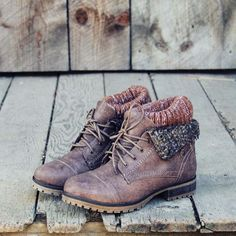 i'm mostly into taller boots but these bad boys are SUPER cute! LOVE the rustic worn look