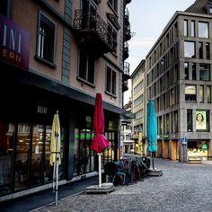 In The City of Lucerne . Zu spät für den Sonntags Zopf . .  #lucerne #lucerna #lucernecity #luzern #switzerland #swiss #lozärn #suisse #cityscape #mountains #travel #lucerne_switzerland #lakelucerne #visitlucerne #citywalkLucerne #oldTownLucerne #MeinLuzern #MyLucerne #LakeLucerneRegion  #photosDieGeschichtenErzählen #nikoneurope #nikonswitzerland #nikonZ7 #inLOVEwithSWITZERLAND  #photography  #루체른 #스위스 瑞士盧森luzern 瑞士 #localphotographer #localphoto Lucerne Switzerland, Local Photographers, Old Town, Den, Street View, Europe, Mountains, City, Photos