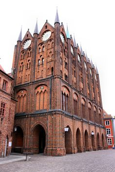 Stralsund - Rathaus Baltic Region, Reisen In Europa, Construction, North Sea, Gothic Architecture, Barcelona Cathedral, Places Ive Been, Life Is Good, Germany