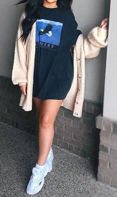 34 The Best T-Shirt Dress Outfit Ideas For Fall Season - WorldOutfits Big Shirt Outfits, Tshirt Dress Outfit, Dress Outfits, T Shirt Dresses, Tumblr Outfits, Mode Outfits, Fall Outfits, Fashion Outfits, Christmas Outfits