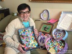 ジャッキー・チェン、ファンからの誕生日プレゼントを公開 中には、現金も? (2)--人民網日本語版--人民日報