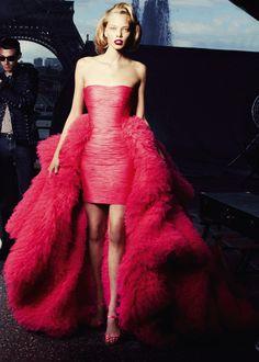 Tanya Dziahileva//Giambattista Valli, Haute Couture//Jean-Daniel Lorieux//L'Officiel