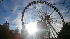 https://flic.kr/p/ziBrWW | Riesenrad auf dem Domplatz in Erfurt | Jedes Jahr zum Oktoberfest wird das ganz große Riesenrad aufgestellt.