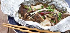 プロの料理家監修!簡単で美味しいキャンプ料理のレシピ集。今回は、そとごはんスタイリスト・風森ひのこさん監修による「きのこのホイル焼きペペロンチーノ風」の作り方をご紹介。にんにくの効いたきのこが食欲をそそる一品。ぜひ作ってみてください。