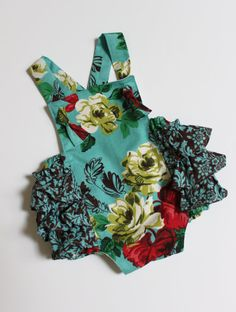 Gorgeous little romper from HereaStich on etsy.  LOVE THIS for Willow Bee!