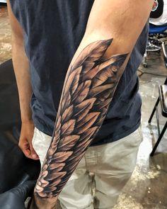 Tattoo arm flügel männer Der kühlste
