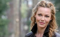 Connie Nielsen v2