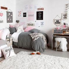 Dormify Classically Cozy Room // shop dormify.com to get the look