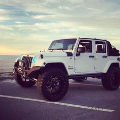 White jeep wrangler unlimited                                                                                                                                                                                 More