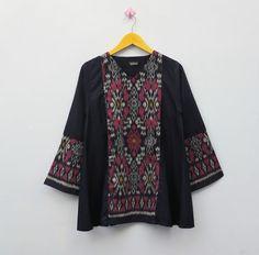 Kids Kurta, Batik Kebaya, Blouse Batik, Batik Fashion, Trendy Dresses, Sandro, Fashion Outfits, Womens Fashion, Costume Design