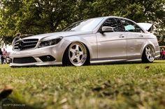 Die Bombe: Mercedes-Benz C-Klasse Mercedes Benz C300, Custom Mercedes, Cool Stuff, Luxury, Car, Daimler, Sedans, Garage, Icons