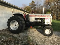 Truck And Tractor Pull, White Tractor, Tractor Pulling, Antique Tractors, Heavy Equipment, Monster Trucks, Farming, Mini, Vehicles