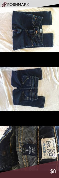 """Children Place girl Jeans Size 5 Skinny Great used condition Size 5 Skinny stretch Jeans.  Measuring about 10-10.5"""" width and Length about 24.5 -25 inches Children's Place Bottoms Jeans"""