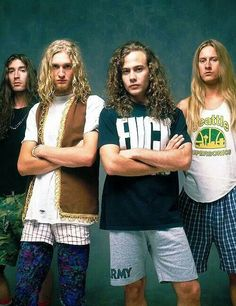Alice in Chains ♥ idk but layne looks incredibly cute here Smart Casual, Mike Inez, Streetwear, Mike Starr, Jerry Cantrell, Mad Season, Layne Staley, Out Of My Mind, Alice In Chains