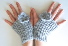 Knitted Fingerless Gloves with Flowers, grey wrist warmers, gray glovettes, Wool Acrylic Blend, soft knit wristlets