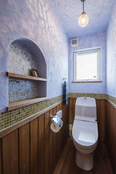 #アイジースタイルハウス #タイル 羽目板×照明×タイルが絶妙!お洒落なトイレ