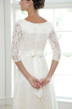 Vyvyan | Epoch Collection - Chatfields Bridal (St. Louis, MO) http://chatfieldsboutique.com/ | Modest Wedding Gown