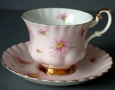 Lovely soft pink cup with daisies.  Vintage Royal Albert Tea Cup and Saucer Set